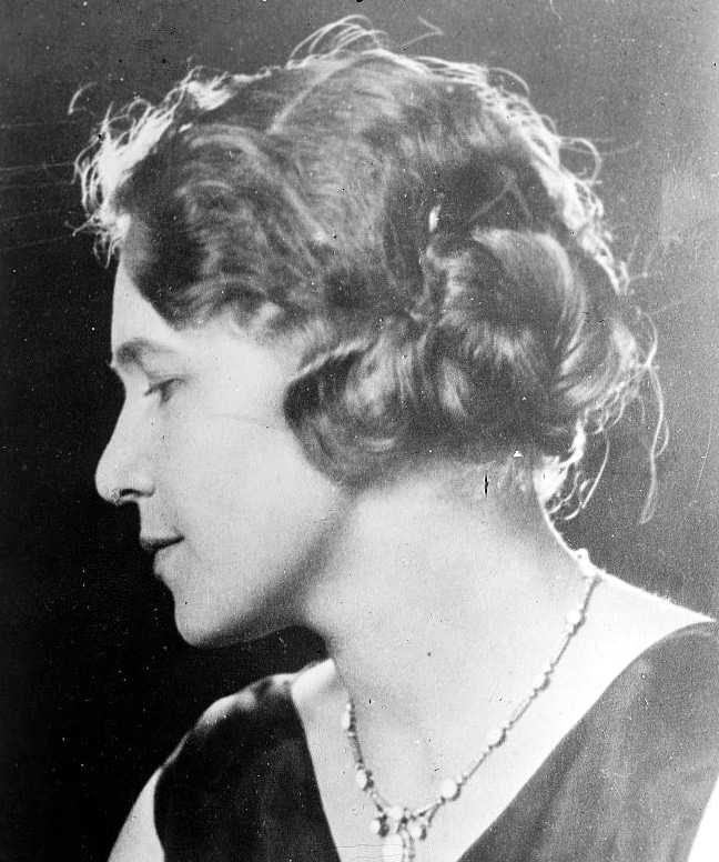 1920s curly hairstyle