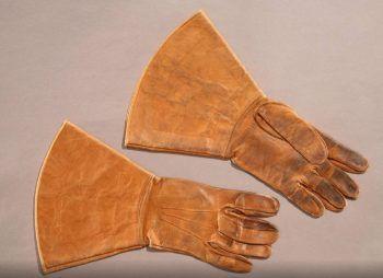 1900s gloves