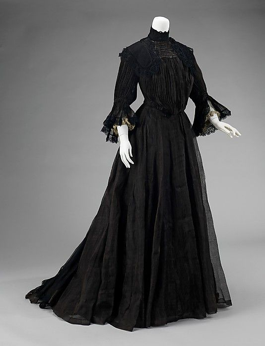 1900s mourning dress