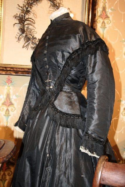 Edwardian mourning clothes