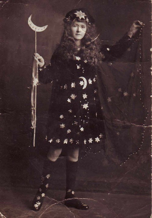 1900s Halloween dress