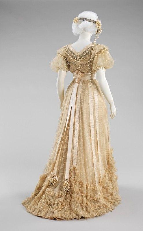 1900s wedding dress